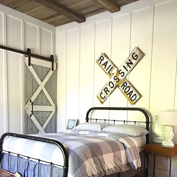Farmhouse For Four | Boys Bedroom | Barn Door | Board and Batten