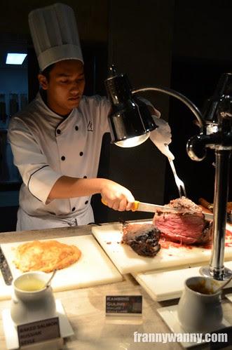diamond hotel indonesian buffet manila
