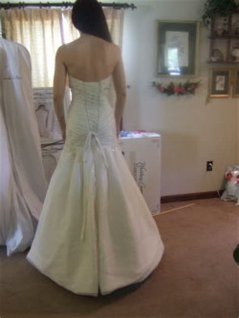 Which Style Wedding Dress Bustle Should You Choose?