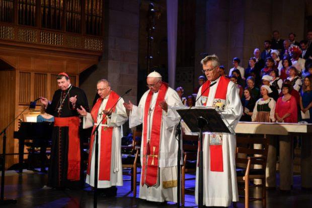 Kurt Cardinal Koch, President Pontifical Council for Promoting Christian Unity; Bishop Munib Younan, President of the Lutheran World Federation; Pope Francis; Reverend Martin Junge, General Secretary of the Lutheral World Federation