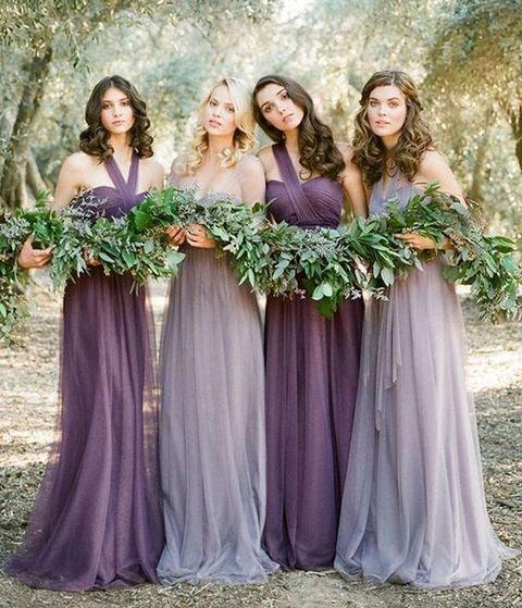 Brautjungfern in Lavendel und lila Kleider, die Aussehen matching und sehr chic