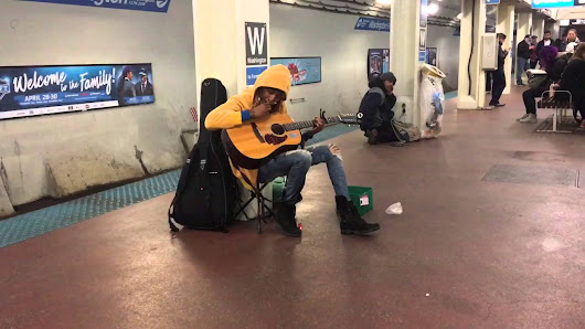 "Subway performer stuns crowd with Fleetwood Mac's ""Landslide""- Chicago, Il- Blue Line, Washington S - YouTube"