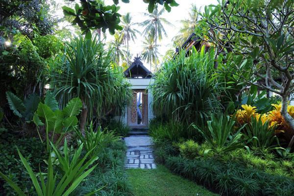 VentureThere - - Photo Gallery > Exclusive Jasri Beach Villas Near ...
