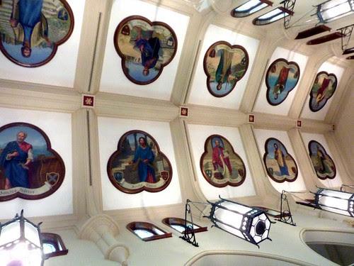 P1080239-2011-03-06-Shrine-Immaculate-Conception-Phoenix-Flies-Ceiling