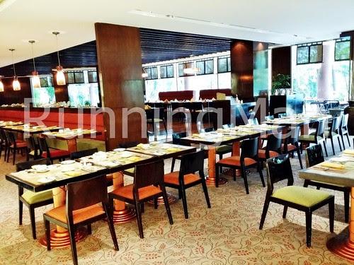 Shangri-La Hotel 06 - Jamoo Dining Area
