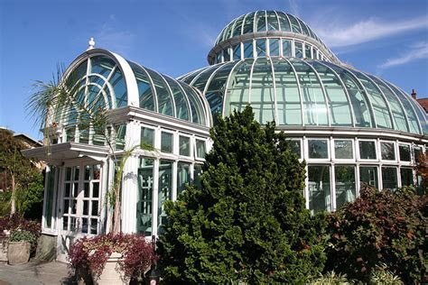 Wedding Venue Cost: The Palm House at the Brooklyn Botanic