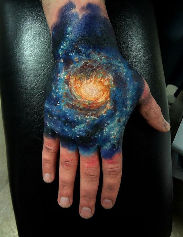 45 Impresionantes Tatuajes Inspirados En El Espacio