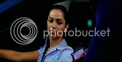 http://i347.photobucket.com/albums/p464/blogspot_images1/Bachna%20Ae%20Haseeno/67.jpg