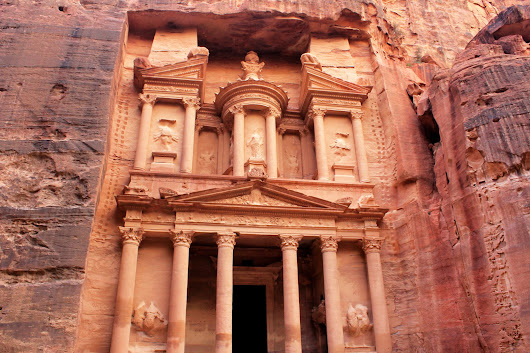 Petra, Jordan: A day in the Lost City of Stone | Green and Turquoise