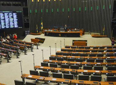 Oito deputados faltaram a mais da metade de sessões reservadas para votações em 2017