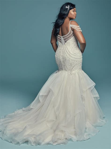 Ask A Plus Size Fashionista: Wedding Gowns for a Curvy