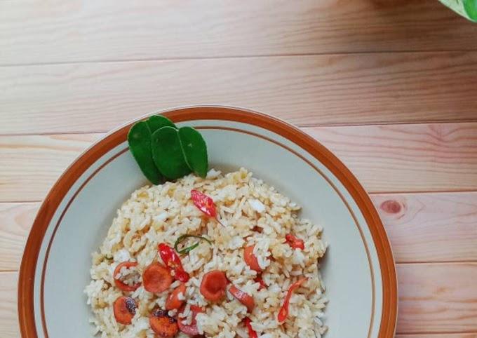 Cara Mudah Mempersiapkan Nasi Goreng Daun Jeruk Cita Rasa Tinggi