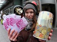 Indignados durante una  manifestación en el Banco Central Europeo en Frankfurt, Alemania. Foto:  AP