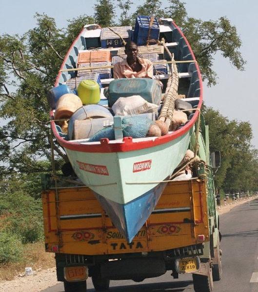 Las 30 formas más PELIGROSAS de transportar cosas... ¡A lo que puede llegar el ingenio...! - 21