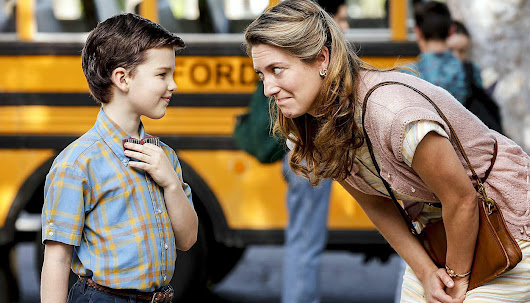 Young Sheldon Pilot Review – A Love Letter to the Social Outcast