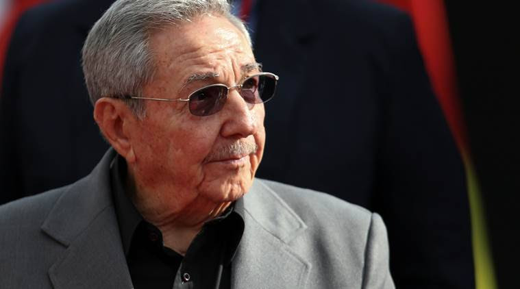Raul Castro and Russian oil company Rosneft's chief meet