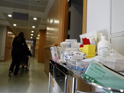 La mayoría de enfermos crónicos son personas mayores polimedicadas, que sufren varias patologías y requieren supervisión médica.