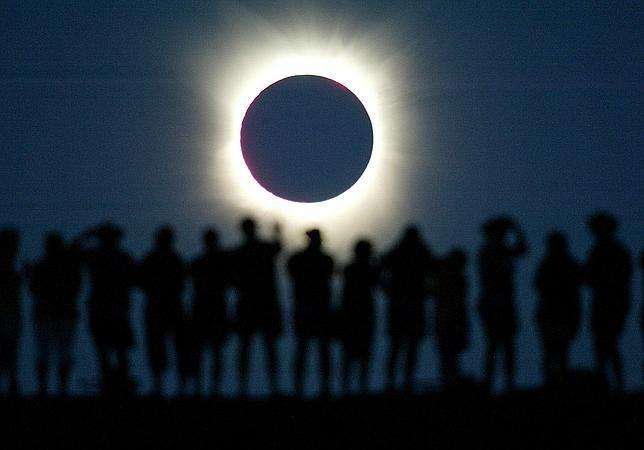 Un raro eclipse híbrido ocultará el Sol en noviembre