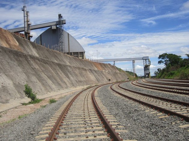 A plant belonging to the Granolcompany, which produces soy branand biodiesel, next to the North-South railroad, in Brazil, where a pipeline from the factory makes it possible to load the wagons directly. Credit: Mario Osava / IPS