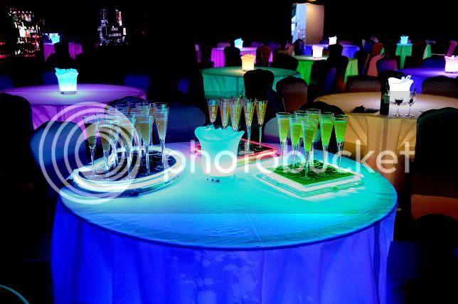 led banquet tables