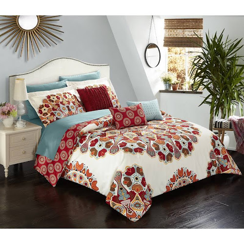The Curated Nomad Stanyan 10-piece Bed in a Bag Comforter Set King