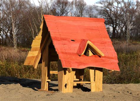spielhaus gutshaus aus robinienholz ziegler spielplaetze