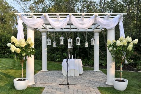 Pergola decorations   Carrie Pellerin Photography   Becca