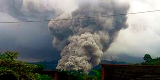 Amazing Video of a Pyroclastic Flow at Santiaguito in Guatemala | Science Blogs | WIRED
