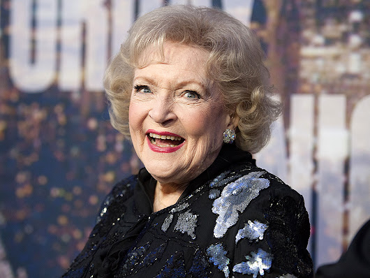 Betty White Joins Instagram – See Her First Pic!