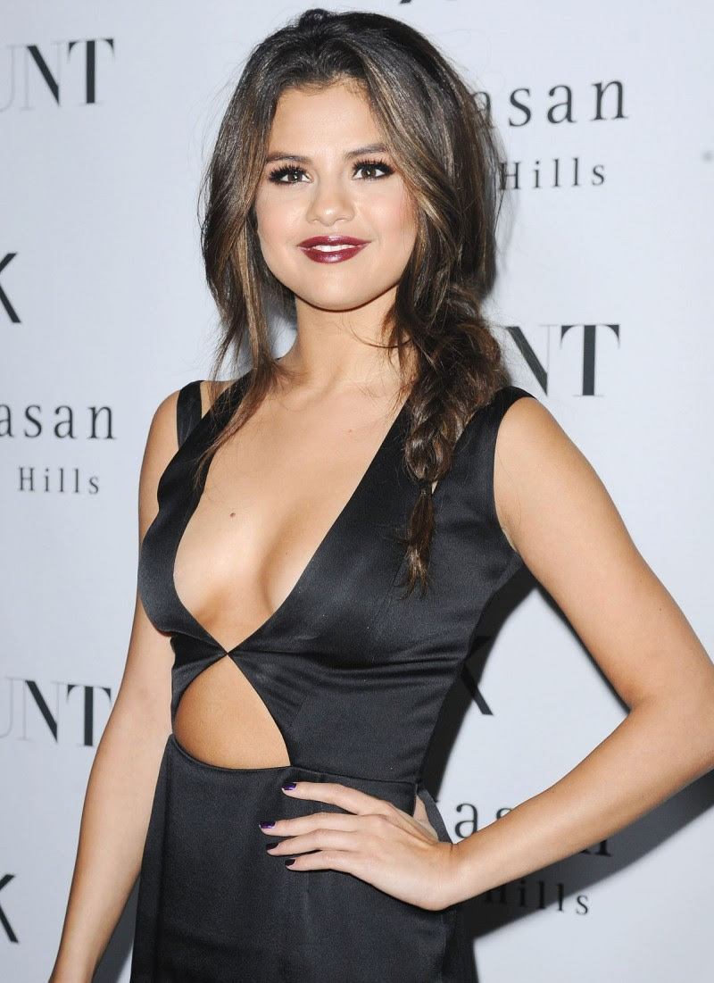 Selena-Gomez-at-Flaunt-Magazine-Release-Party-in-Beverly-Hills-Photos-Picture-1