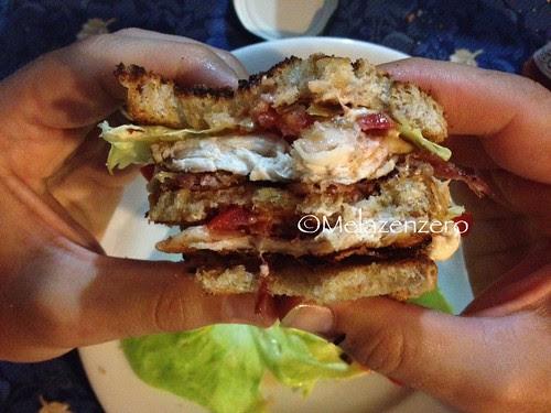 Sandwich di pollo al barbecue