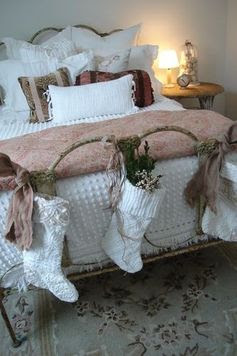 shabby chic christmas bed