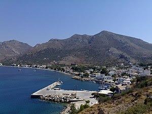 Τα Λιβάδια, μεγαλύτερο χωριό και λιμάνι της Τήλου