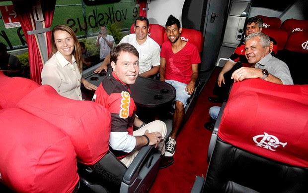 apresentação novo ônibus do Flamengo (Foto: Fernando Azevedo / Fla Imagem)