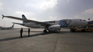 Un Airbus d'Egyptair com el que ha desaparegut al Mediterrani amb 66 persones a bord (Reuters)
