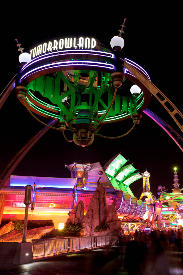 Where In Walt Disney World Blog Archive Tomorrowland At Night