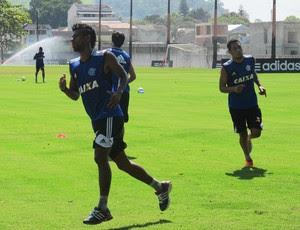 Flamengo treino Léo Moura (Foto: Thales Soares)