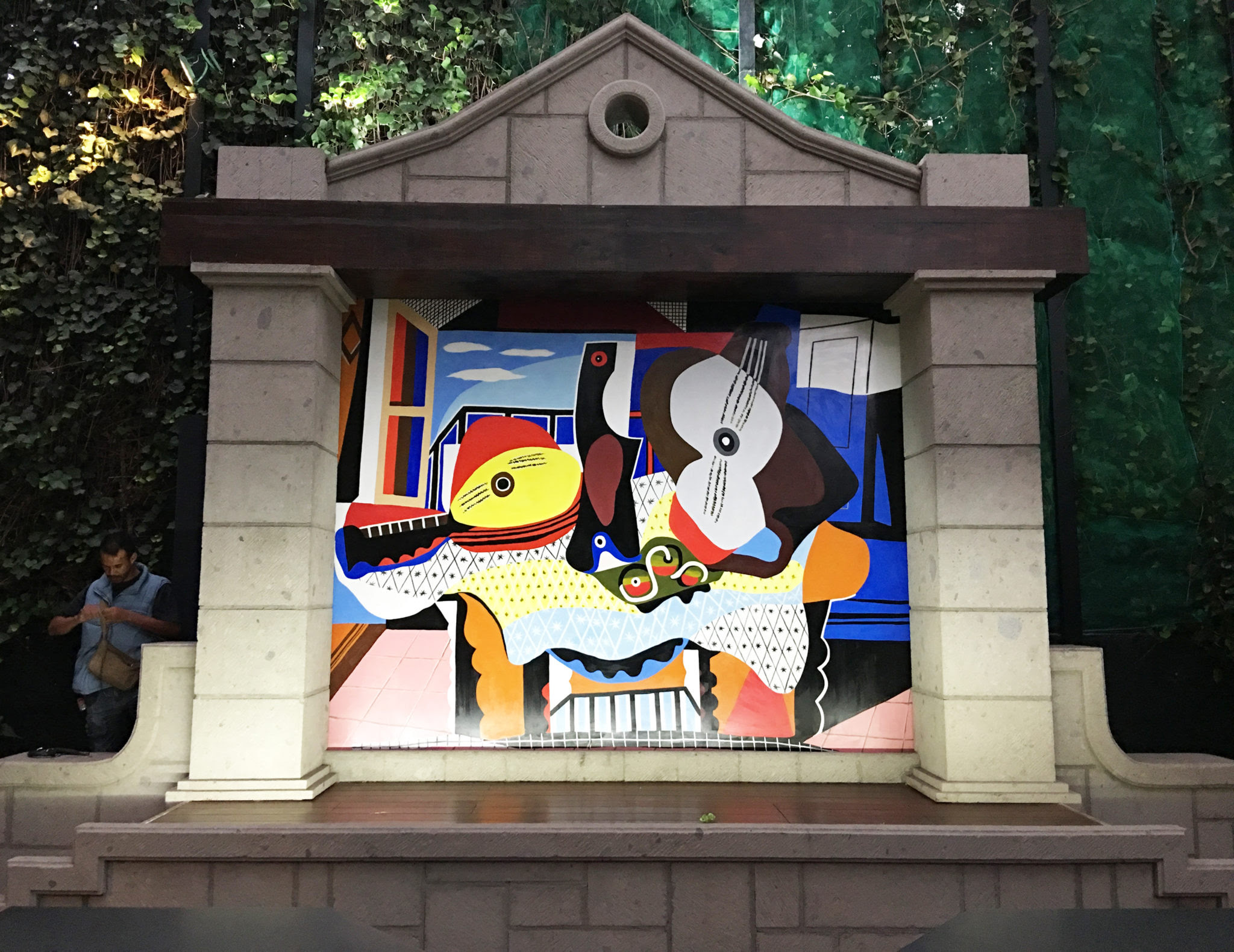 Residential Mural After Picasso S Mandolin And Guitar 1921 Mexico