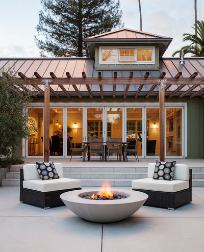 Bring On the S'mores With These 10 Smoke-Free Fire Pit Ideas