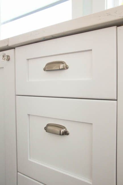 How to Install Cabinet Knobs with a Template {a trick for ...