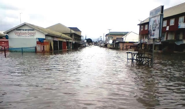 Surviving Flood: Oke-Ado, Oke Bola Residents Dread Days Of More Rainfall #wanitaxigo