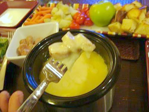 Emmentaler & Gruyere Cheese Fondue
