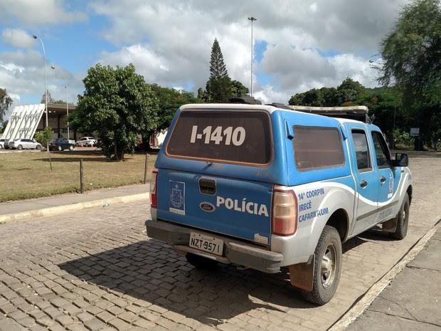 Presos usaram viatura para deixar cidade de Morro de Chapéu durante fuga da delegacia (Foto: Augusto Urgente / Augusto Jacobina)