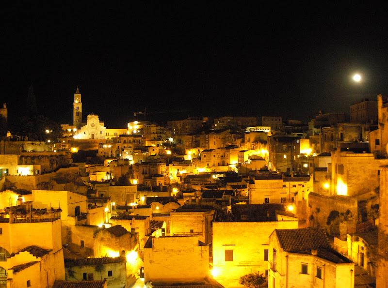 Borgo in notturna..... di claudio_sposetti