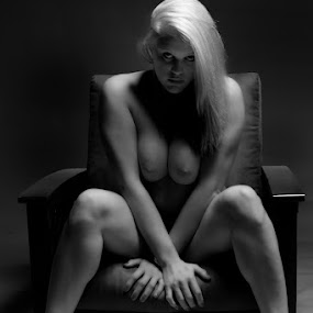 Jessica 3 - Those Eyes by Keith Lucas - Nudes & Boudoir Artistic Nude