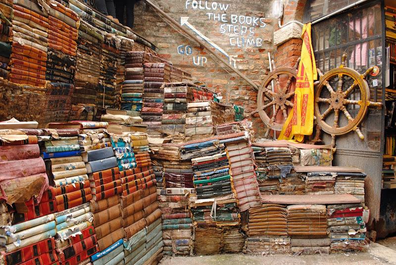 Libreria Acqua alta di Venezia di laura_bazzy_bazzan