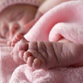 by Sandra Veech - Babies & Children Hands & Feet