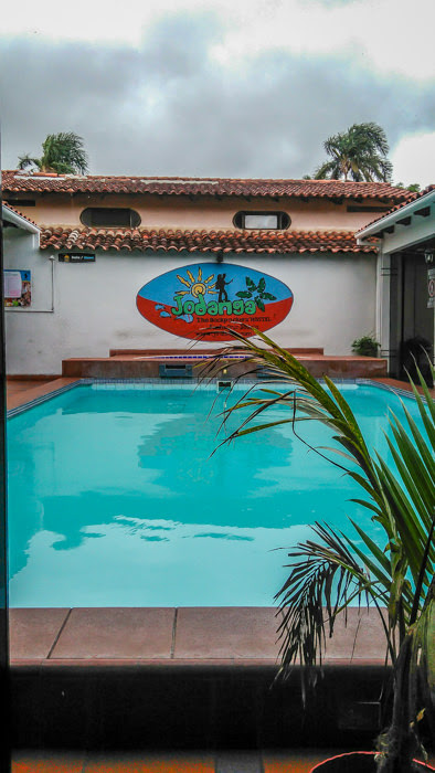 swimming pool of jodanga hostel in santa cruz bolivia