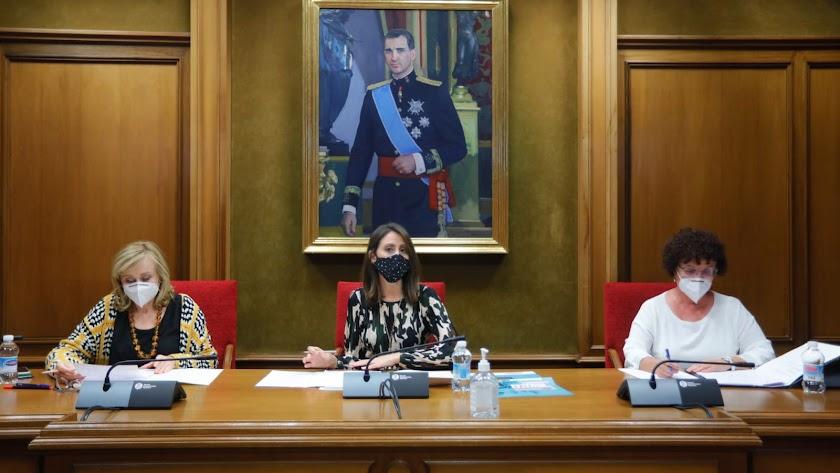Reunión de la Junta de Gobierno del Consejo Provincial de la Mujer.