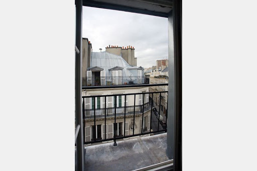 Outside View-Haussmann luxury 4 bedroom in Opera Grand